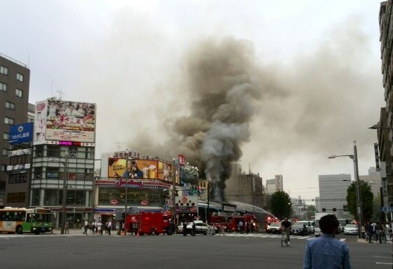 築地場外市場で火災 すぐ隣の「本願寺盆踊り」は中止