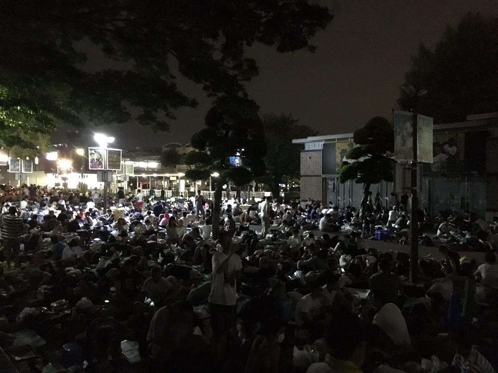 「夏の徹夜組」はコミケだけじゃない 甲子園で前夜から異例「長蛇の列」