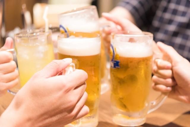 ほどほどの酒を飲むと創造力アップ アイデアふつふつ、柔軟な発想力に
