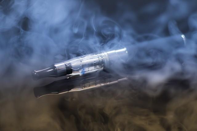 妊娠中の喫煙が胎児に害を与えるメカニズム解明 「電子タバコにも同様のリスク」と研究者