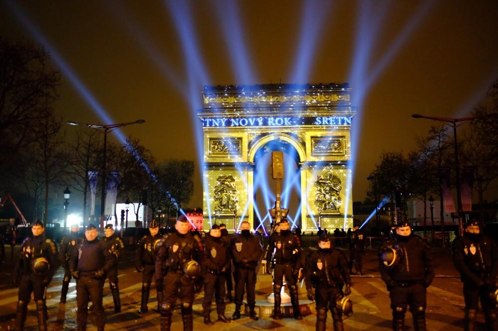 岡田光世 「トランプのアメリカ」で暮らす人たち 「フランスのテロ」を反面教師にする大統領