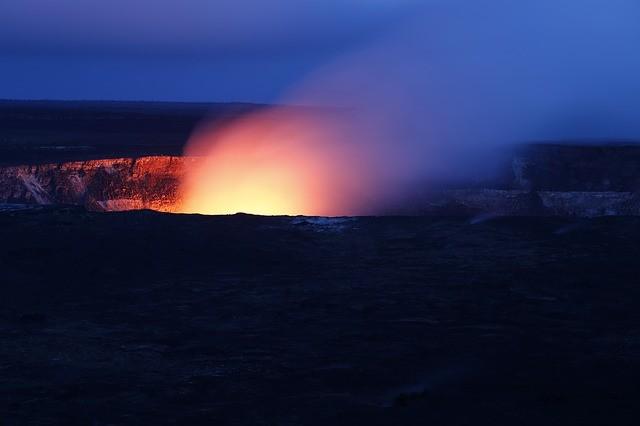 地球上の生命は「池」から誕生か 降り注ぐ隕石がRNA、DNAの材料に