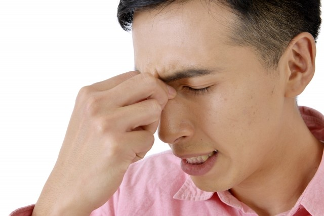 疲れ目にはチョコよりもガムをかめ! 眼精疲労を放置すると「うつ病」で退職