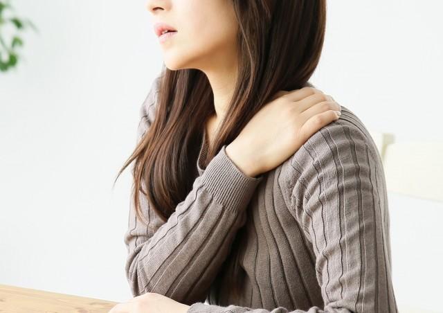 片側だけの肩こりは危険な病気のサイン<br/>  「心筋梗塞」や「胆のう炎」が隠れている