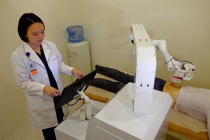 マッサージロボットが気持ちよすぎ<br/>  AIが患者ごとに力を加減