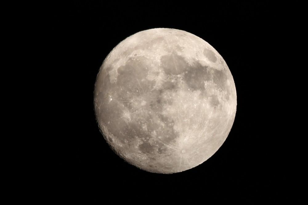 8年ぶり10月に「中秋の名月」 標高270メートル、ヒルズの野外展望台で「観月会」