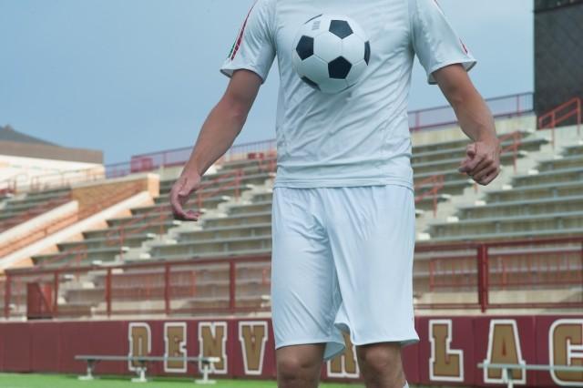 ボールが胸に当たった衝撃で昏倒 命の危険もある「心臓振とう」の怖さ