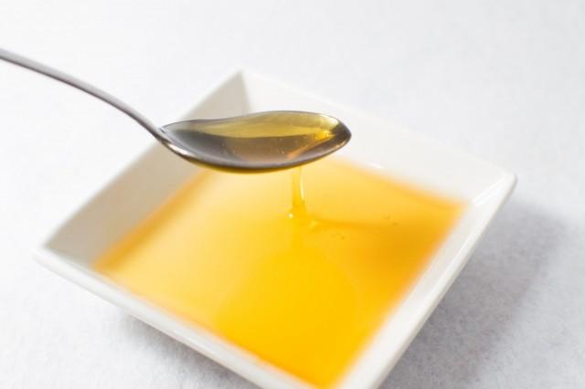 ヘルシーオイルはどれが一番健康的か? 専門家がオススメ、4つの油の使い方