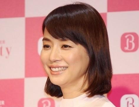 石田ゆり子の深い言葉に共感の声 投稿された1枚には大人の色気
