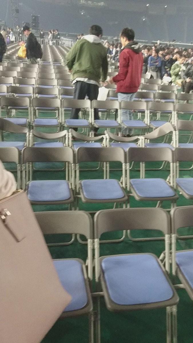 「乃木坂46」会場で「一歩間違えば死亡事故」 公演続行の判断に「考えられない」