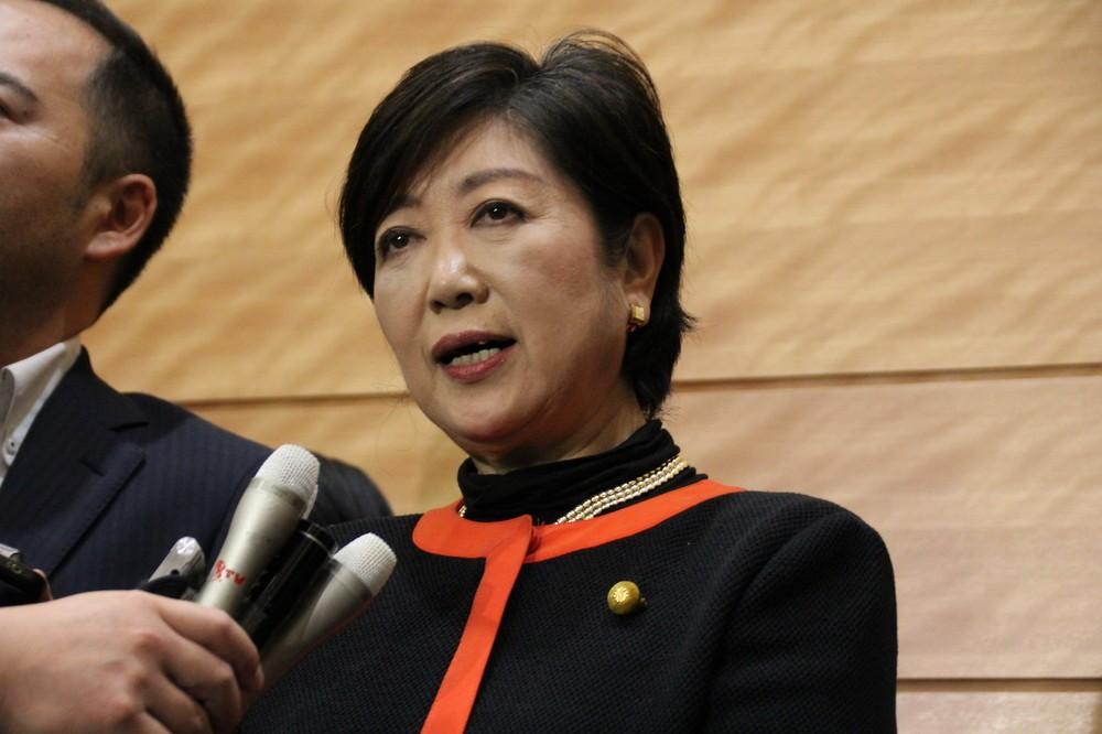 小池氏が代表辞任 希望の党、安保法制めぐる溝は埋まるのか
