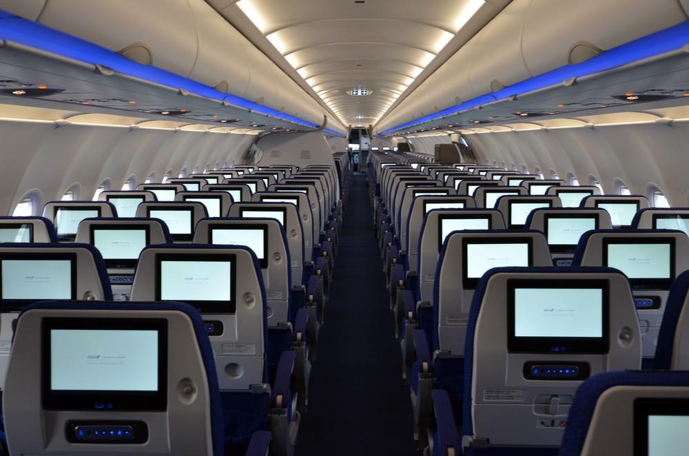 ANAがJALに「追いつけ、追い越せ」 サービス強化で「Wifi無料化」「座席モニター」
