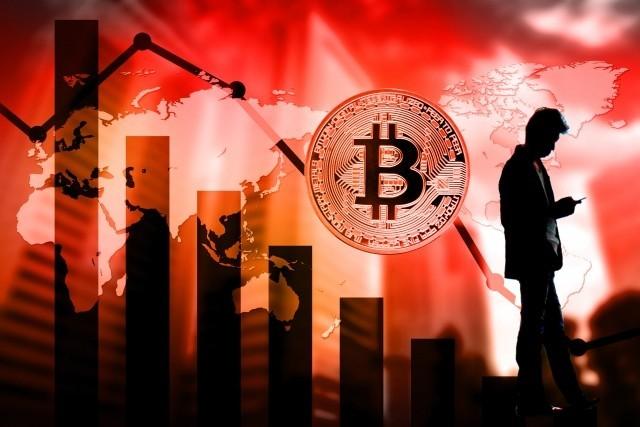 ビットコイン40%減、仮想通貨軒並み急落 テレビで「億り人」特集した翌日に