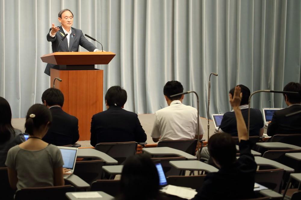 「ドタキャンなんかしてません!」 菅官房長官、東京新聞望月記者に声荒らげる