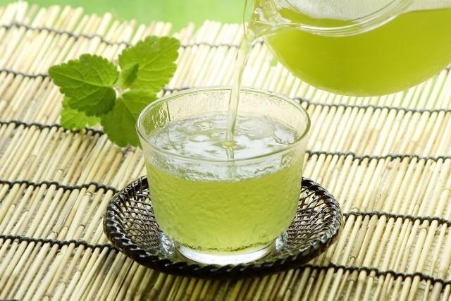 お祝い返しに「緑茶はNG」ってホント? 老舗茶屋「聞いたことがない」