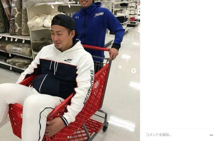 中田翔、米スーパーでの「悪ふざけ写真」炎上で謝罪 「子供みたいな行動とってすいません!!」