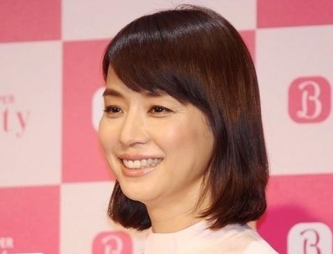 石田ゆり子、驚愕の6年前写真 「本当に歳取ってます?」
