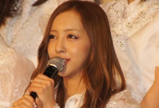 板野友美 AKBデビュー前の14歳写真に絶賛と違和感「本当の美少女」「顔が違う!!」