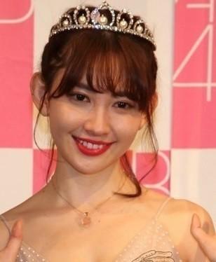 小嶋陽菜が「挑発的だ!!」 ファッション誌ショットでファンの心を鷲掴み