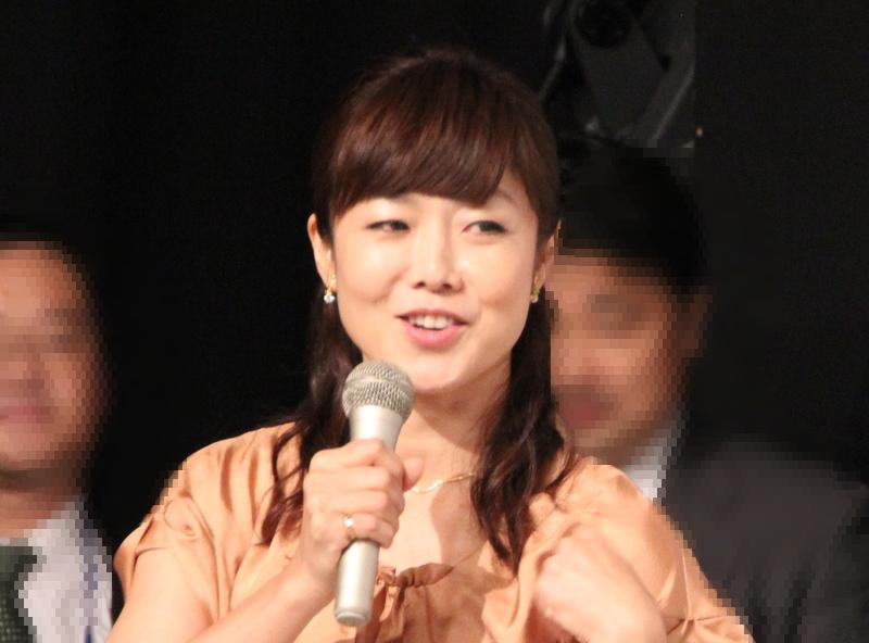 有働アナが石田ゆり子と「ママ友」に 「子育てに専念されるのですね!」と祝福コメも