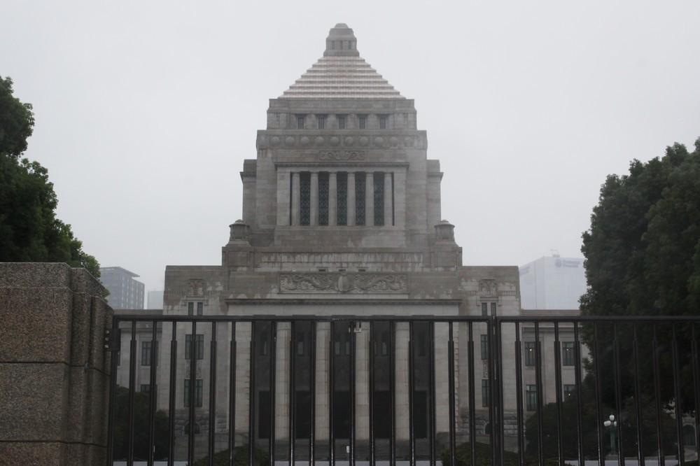 支持率「最低」でも、選挙なら「微減」か 飯島勲氏「解散論」の真実味