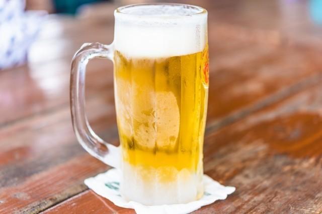 山口達也、離婚会見でも触れた「酒」問題 アルコールめぐるゴシップも