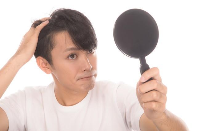 薄毛の悩み、溜め込むより相談を 薄毛ストレスの日常生活への影響に専門医が警鐘