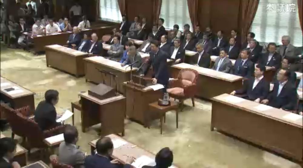 安倍首相が「捨てゼリフ」 党首討論の「歴史的使命終わった」