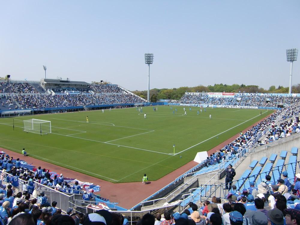 一部サポーター、豪雨へ「黙祷」せず 天皇杯、横浜FC側がチャント続行 「本当に品がない」