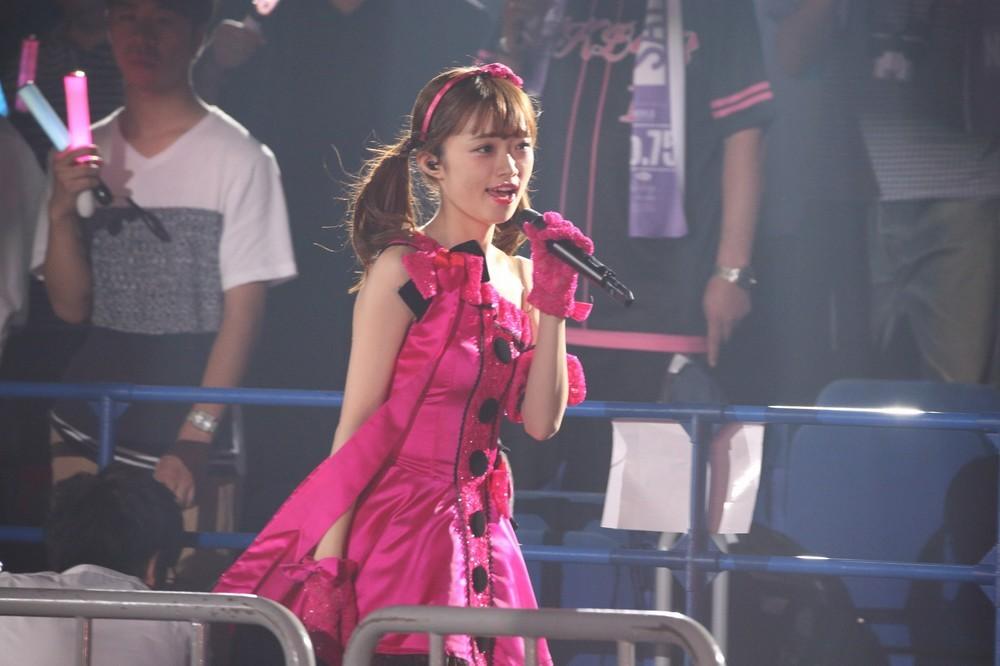 NGT48の中井りかさん「アーイドルだっていろいろあーる♪」と口ずさみながらステージを後にした