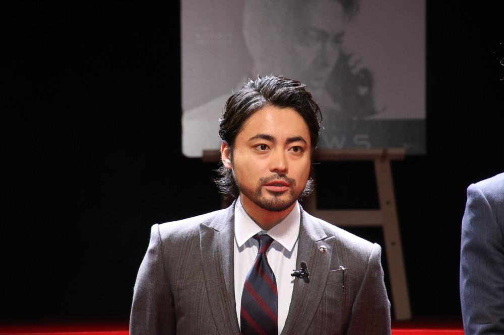 山田孝之が「彦摩呂に見えた」写真 「お腹ポンポコリンだぜ」