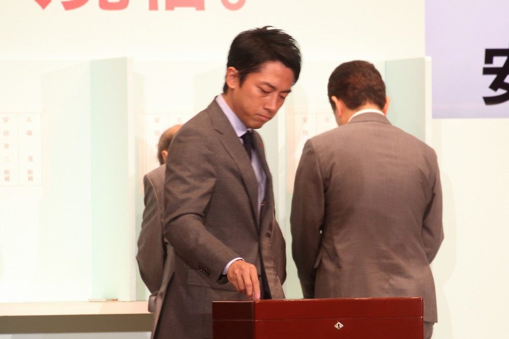 総裁選直後の「沈黙の6秒間」 進次郎氏はしばし、言葉に詰まった