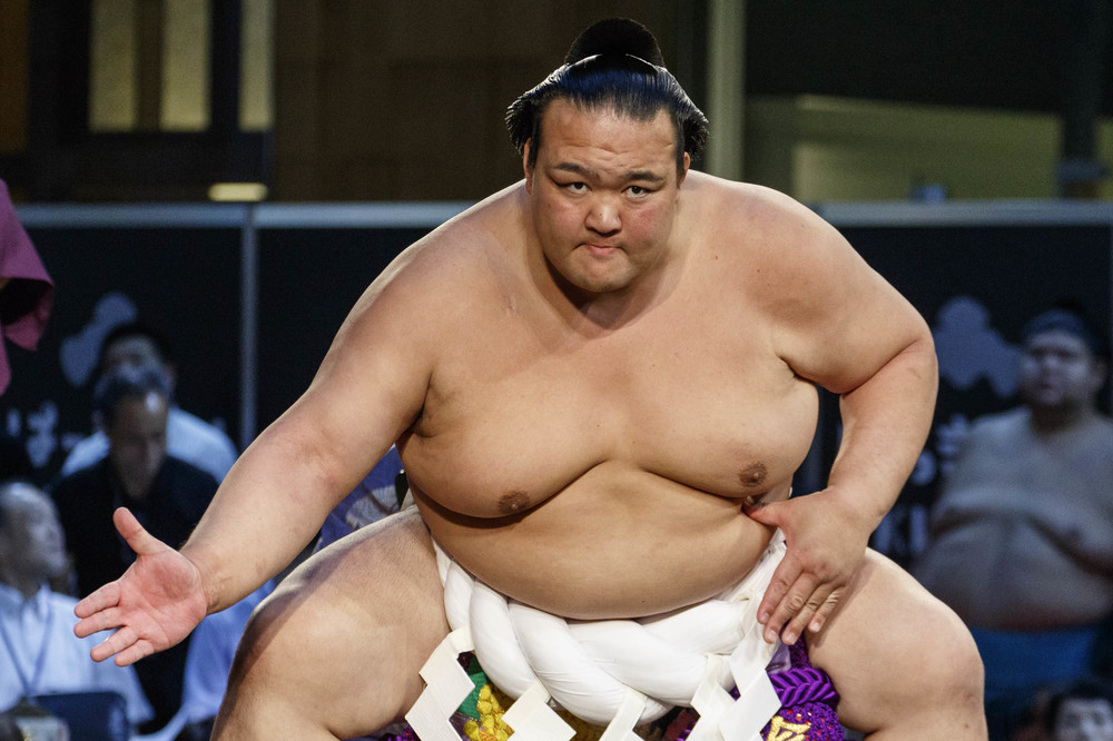 稀勢の里引退 「昔ながらのお相撲さん」がブルーハーツ熱唱した夜