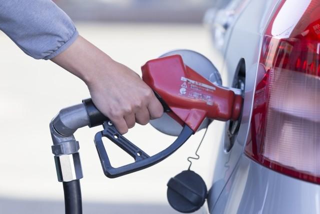「またガソリンスタンドがセルフに...」 障害者ドライバーの嘆息