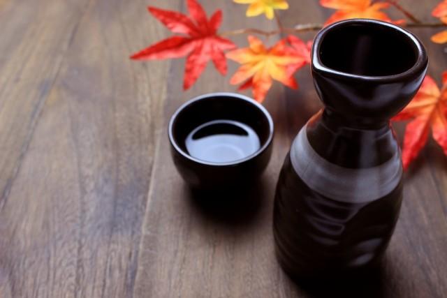 徳利は「注ぎ口使ってはいけない」 ネット拡散の日本酒作法、本当に「マナー」として存在するのか