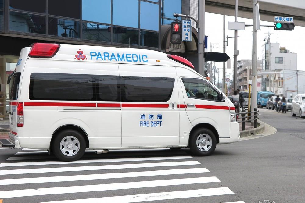 救急車内で「患者」が記念撮影 医師「(そんな)余裕あるならタクシーで」