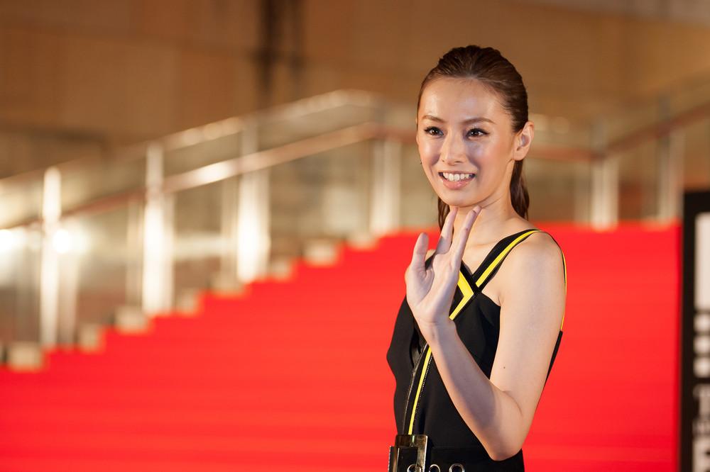 まぶしすぎる...! 北川景子ら勢ぞろい、セーラームーン出演者の「戦士会」写真を小松彩夏が公開