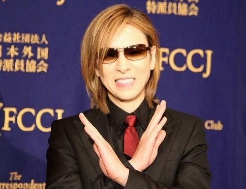 YOSHIKIは最愛の友hideに誓う 「彼が夢見た世界を掴むまで」