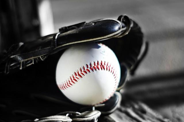 プロ野球選手は1試合に何本のバットを準備する? OBが明かす用具への熱いこだわり