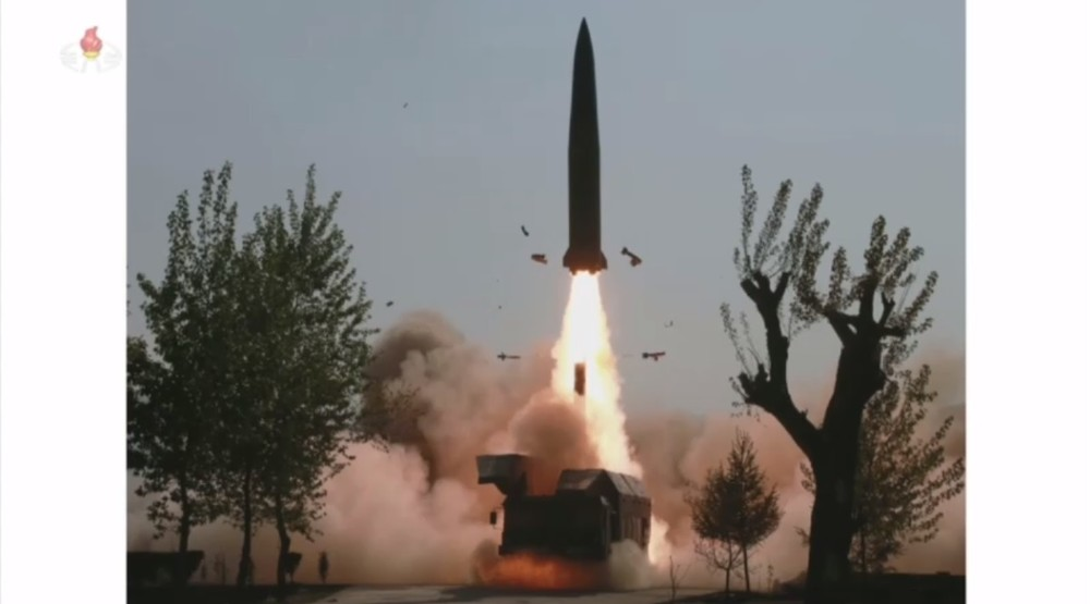 北朝鮮「飛翔体」の正体は? 弾道ミサイル、長距離打撃手段、新型兵器...割れる見解