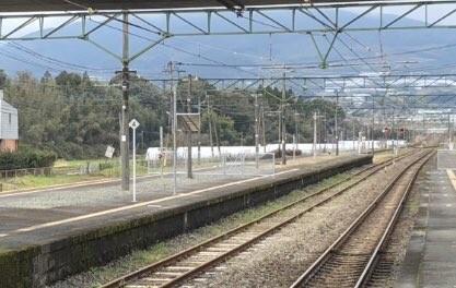 JR植木駅に設置された柵(写真は、まめぴー@mambou_takuさん提供)