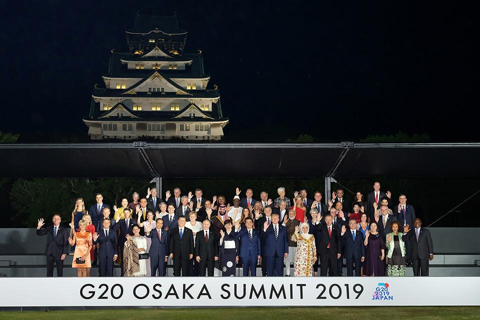 安倍首相、大阪城にエレベーター設置は「大きなミス」 G20発言に「バリアフリーに逆行」と批判相次ぐ