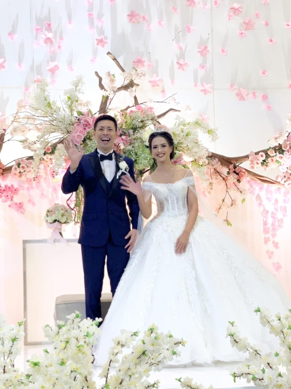 インドネシアに渡った「住みます芸人」が、元JKT48と結婚するまで 言葉もわからず苦労...現在はアジア各地で出演