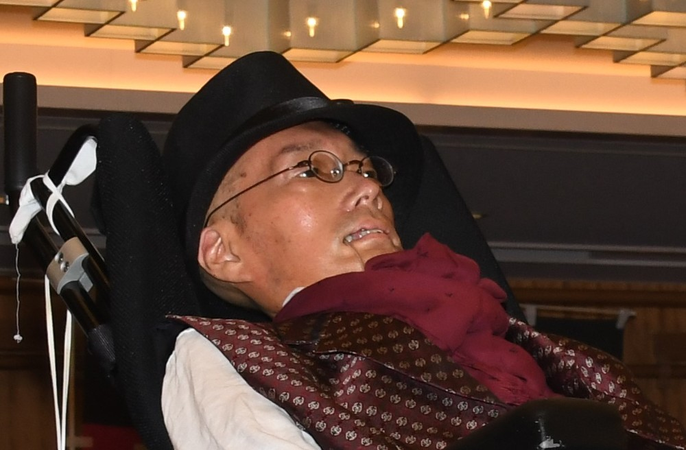 41歳の夏の「異変」から20年... ALS患者・舩後靖彦氏が「史上初」の国会議員になるまで