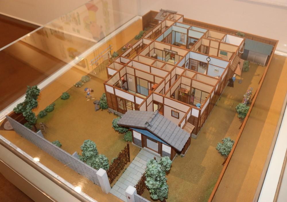 「長谷川町子美術館」に常設展示されている「磯野家」の間取り模型