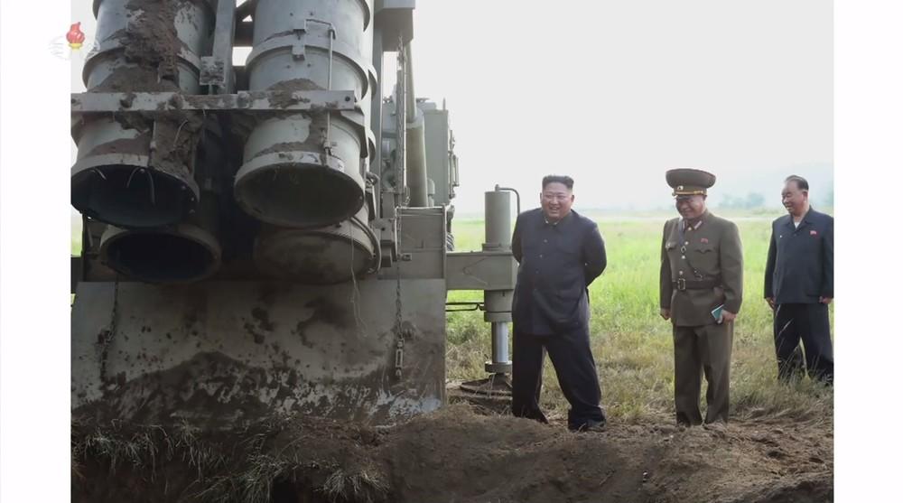 国営メディアも「成功」と言わず... 北朝鮮「飛翔体」、3発中1発失敗か