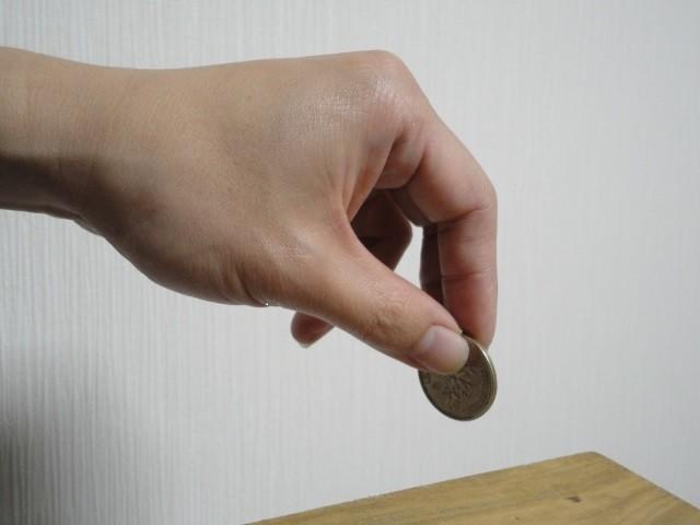 キャッシュレス化とコンビニ募金 「お釣りの小銭」消えたら、影響は...