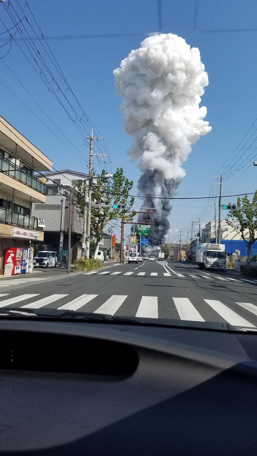 「どーーんと爆音、建物揺れた」「稲光のよう」 尼崎工場火災、目撃者が語る「爆発」の凄まじさ