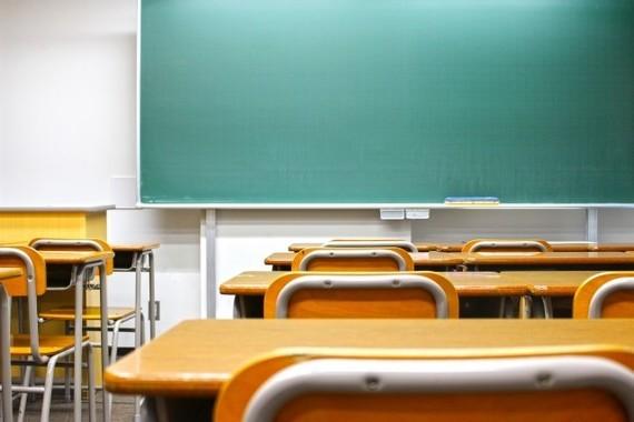 神戸の小学校「教員いじめ」モザイク動画も報道 「顔も名前も隠す必要がない」の声