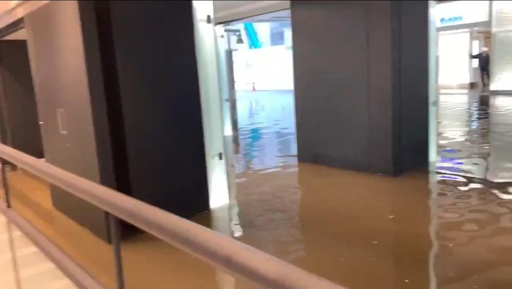千葉駅前などで冠水「足が浸かるくらい...」 大雨で報告相次ぐ